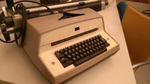 macchina da scrivere ibm usata